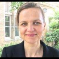 Dr Emmanuelle Walkowiak